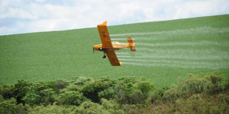 Brasil libera quantidade até 5.000 vezes maior de agrotóxicos do que a Europa